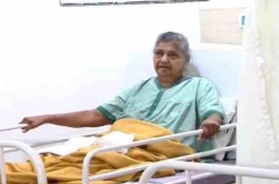 पाकीज़ा फिल्म की ये मशहूर एक्ट्रेस 1 माह से भर्ती, अस्पताल में छोड़ भाग गया बेटा