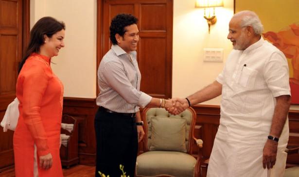 पीएम नरेंद्र मोदी से मिले सचिन, बेटी, पत्नी के साथ फिल्म में दिखेंगे ये क्रिकेटर्स