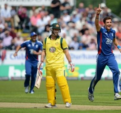 इंग्लैंड के सामने आस्ट्रेलिया बेदम, 40 रन से मात