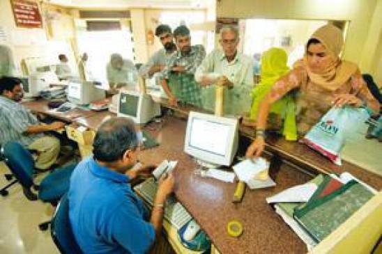 बैंकों में नहीं पहुंचा कर्ज माफी का आदेश, किसान परेशान