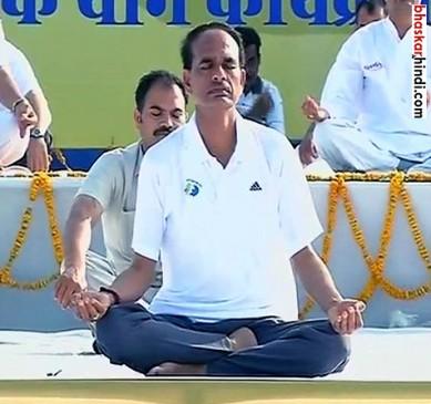 CM शिवराज सिंह ने किया योग, कहा पहला सुख निरोगी काया