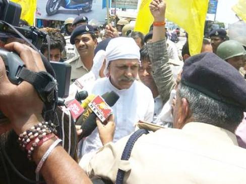 चक्काजाम कर रहे किसान नेता कक्काजी गिरफ्तार