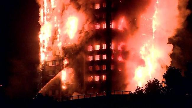 London Fire : 24 मंजिला इमारत से बचाई गई 65 जिंदगियां, 12 की मौत, 18 की हालत गंभीर