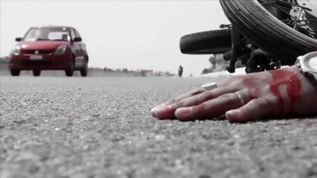 ट्रक और कार की टक्कर में 5 लोगों की मौत