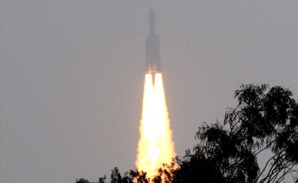 सबसे बड़े संचार उपग्रह की सफल लॉन्चिंग कर इसरो ने रचा एक और इतिहास