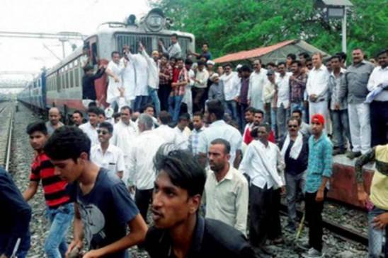 किसान आन्दोलन की गाज, मंदसौर कलेक्टर-एसपी सस्पेंड