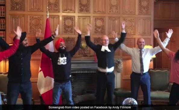 कनाडा के सांसद ने जमकर किया भांगड़ा, VIDEO हुआ वायरल