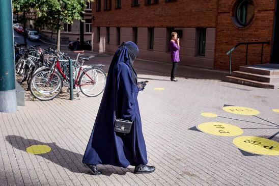 नार्वे लगाएगा स्कूल-कॉलेजों में हिजाब पर बैन!