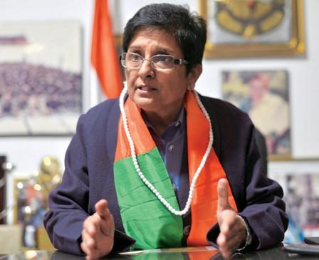 गुप्त जानकारियां शेयर करती हैं किरण बेदी, पुडुचेरी CM का आरोप
