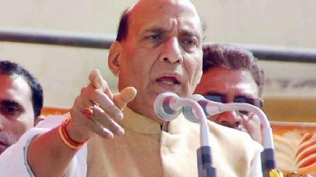 BSF जवान को , प्रोटोकॉल तोड़ गृह मंत्री राजनाथ सिंह ने लगाया गले