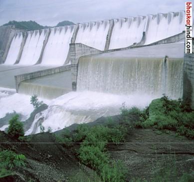 53 साल पुराने पुल पर मंडराया खतरा, 30 गांव होंगे प्रभावित