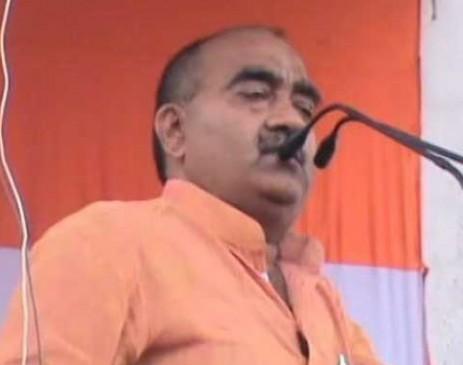 'राहुल भैया के नेतृत्व में सरकार पर गोली चलाएगा किसान, कांग्रेसी नेता का बयान