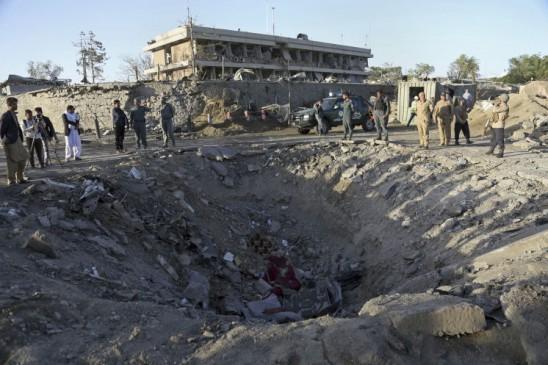 आतंकियों ने कब्रिस्तान को भी नहीं छोड़ा, धमाके में 18 मरे