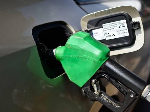 माइक्रोचिप लगाकर चोरी करते थे पेट्रोल, दो मशीनें सील