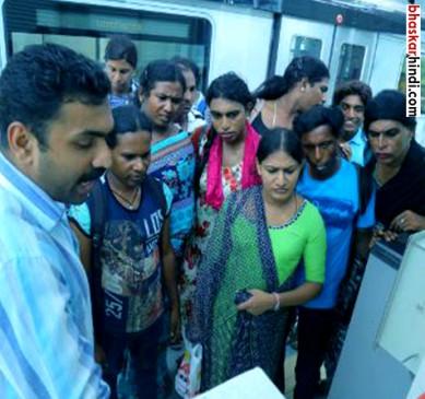कोच्चि मेट्रो : ट्रांसजेंडर्स को नौकरी मिली, पर घर नहीं