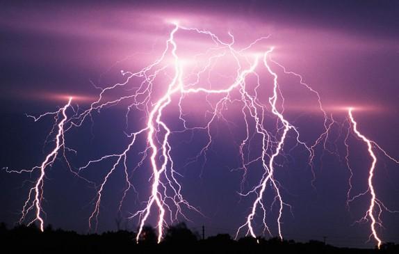 बिजली गिरने से 2 किसानों की मौत