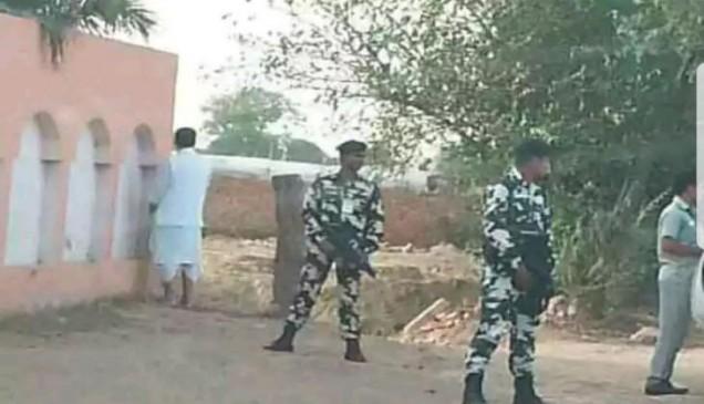 खुले में ''सिंचाई'' करते पाए गए कृषि मंत्री राधा मोहन सिंह
