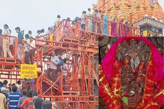 नागचंद्रेश्वरः नाग के फन पर शिव-पार्वती, रात 12 बजे होंगे दर्शन