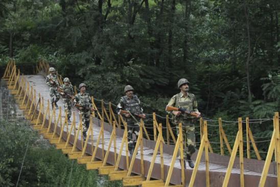 अनंतनाग : मारे गए दो आतंकी, कमांडर भी ढेर, कश्मीर डीजीपी ने की पुष्टि