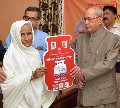 2.5 करोड़ गरीब महिलाओं तक पहुंची उज्जवला योजना