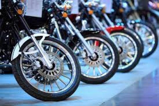 Bikes की बिक्री के मामले में Bajaj को पछाड़ नंबर-2 बनी Honda