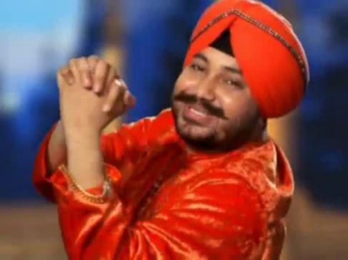 दलेर मेंहदी का गाना सुनकर अचानक नाचने लगे फॉरेनर्स, Video हो गया वायरल