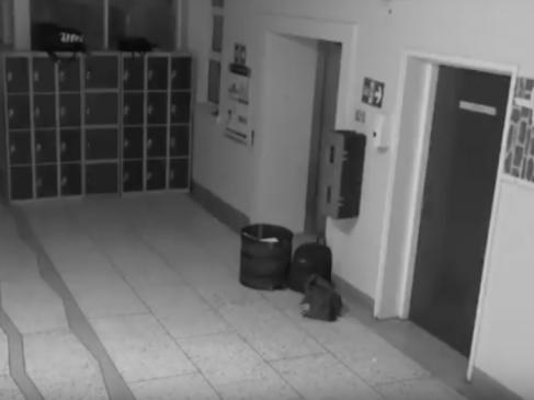 फिर कैमरे में कैद हुआ 'भूत', ये है दुनिया का सबसे डरावना स्कूल, देखें VIDEO