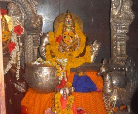 धरती पर यहां साक्षात रूप में मौजूद रहती हैं 'मां सरस्वती'