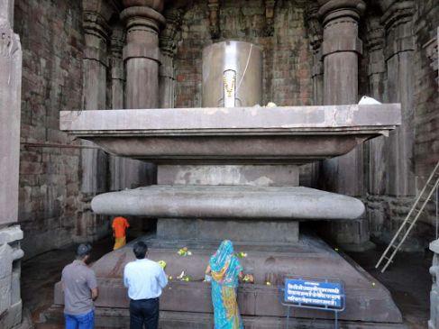 मकर संक्रांति पर भोजपुर मंदिर का विशेष महत्व, VIDEO में देखिए पूरा इतिहास