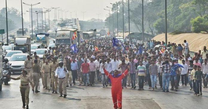 सड़क से संसद तक पहुंची हिंसा की आग, विपक्ष ने पीएम से मांगा जवाब