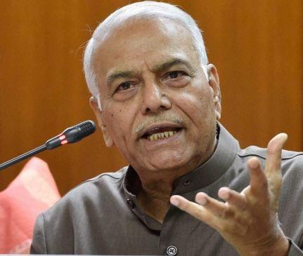 जज विवाद : यशवंत सिन्हा ने मोदी के मंत्रियों को उकसाया, ममता ने भी कसा तंज
