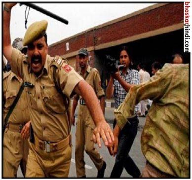 कर्नाटक: मुस्लिम इलाके में जुलूस निकालने गए BJP, RSS के लोगों पर चली लाठियां