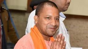 लठ्ठमार होली खेलेंगे योगी, कहा- मैं एक हिंदू, आस्था व्यक्त करने का अधिकार