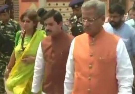 धारा 144 लागू होने के बाद भी आसनसोल हिंसा का जायजा लेने पहुंची BJP नेताओं की टीम