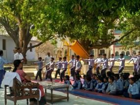 राज्यपाल आनंदीबेन पहुंची चित्रकूट, किए भगवान कामतानाथ के दर्शन
