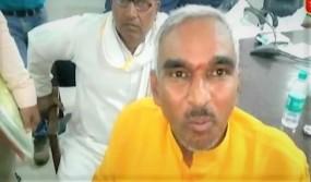BJP MLA सुरेंद्र सिंह के विवादित बोल, मंत्री राजभर की तुलना वैश्या से की