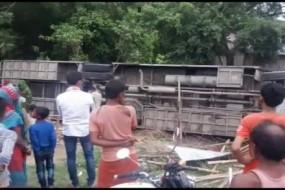 बिहार: सुपौल में बस और ट्रक की सीधी टक्कर, 2 की मौत, 50 से ज्यादा जख्मी
