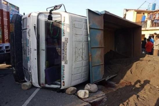मां पूर्णागिरी के दर्शन के लिए जा रहे श्रद्धालुओं को ट्रक ने कुचला, 11 की मौत
