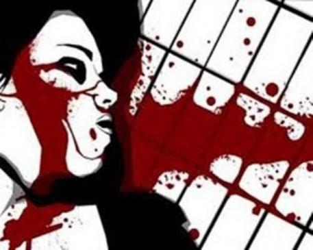 अवैध संबंधों के शक में पत्नी की कुल्हाड़ी से हत्या, बेटी ने देखा मां को तड़पते हुए