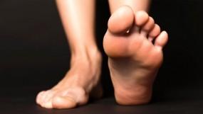 बारिश में डायबिटीज के मरीज रखें अपने पैरों का ख्याल