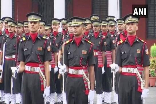 देहरादून-गया में सेना की पासिंग आउट परेड, कैडेट्स पर हुई गुलाबों की बारिश