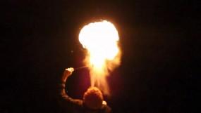 खतरनाक परंपरा : आग से करतब के दौरान बालक की मौत, एक दर्जन झुलसे