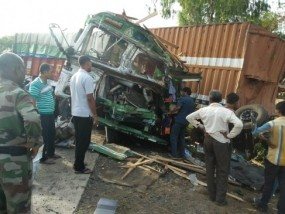 ट्राला ट्रक भिंडे, एक की मौत, तीन घायल, हाइवे औघट खपरी पर दर्दनाक हादसा