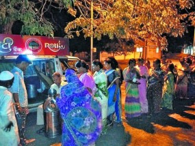 सोलापुर में 30 श्रमिकों ने शुरू किया रोटी बैंक, हर रोज 200 लोगों को खिलाते हैं खाना
