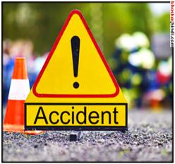 ट्रैक्टर की ठोकर से बाइक सवार युवक की मौत, गड्ढे में मिली महिला की लाश