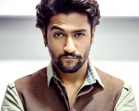 फिल्म 'उरी' की शूटिंग के दौरान विक्की कौशल चोटिल, इलाज के लिए मुंबई लौटे