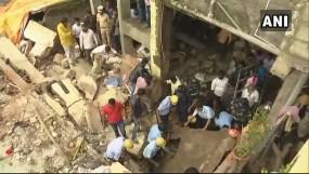 पुणे में ढही दो मंजिला इमारत, आठ लोगों को बाहर निकाला