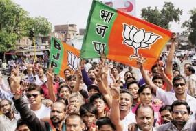 महाराष्ट्र में शिवसेना के झटके से बचने की हो रही कवायद, BJP तलाश रही रास्ता