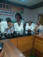 किसान मुक्त भारत चाहती है भाजपा, हक मांगने पर मिलती है गोली : ज्योतिरादित्य सिंधिया
