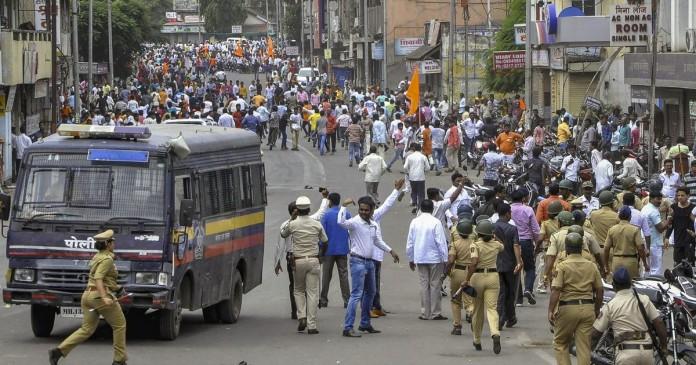 मराठा आरक्षण : पुणे में हुई हिंसा को लेकर 5 हजार लोगों पर मामला दर्ज